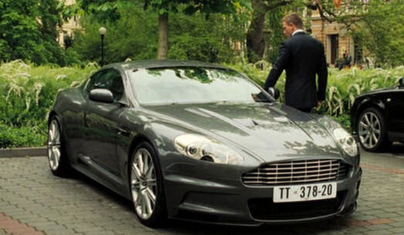 vehicles used in casino royale