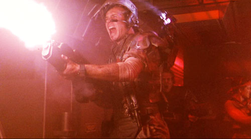aliens, hudson fighting back, james cameron, top10films, science fiction horror,