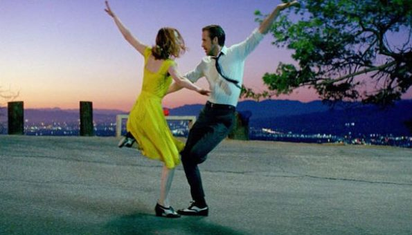 La La Land - Ryan Golsing and Emma Stone dancing