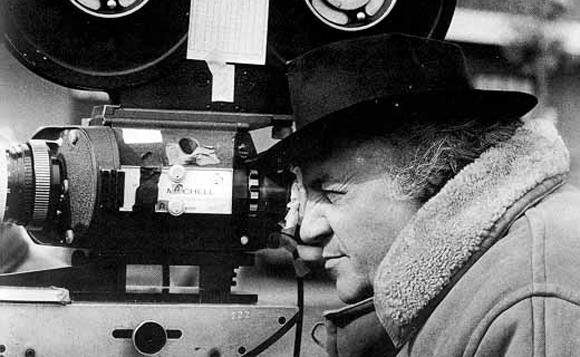 Federico Fellini on set