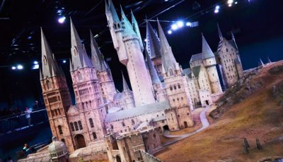 Harry-Potter-Studio-Tour_Warner-Bros_London8_Hogwarts-Model