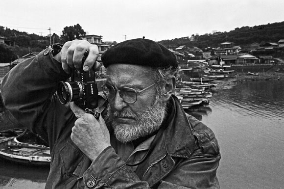 W. Eugene Smith Photographing a Fishing Village in Minamata (1973) ©️ 2019 Takeshi Ishikawa