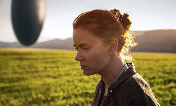 "The Performances & Visuals Hide The Flaws In ""Arrival"" - Top 10 Films review"