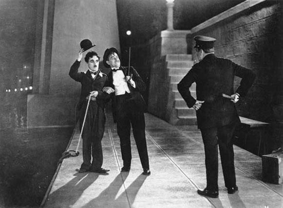 наше знакомство с чарли чаплином состоялось в период немого
