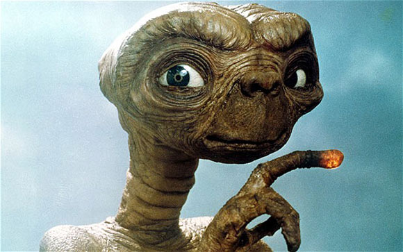 et_steven-spielberg_top10films_space-travelers