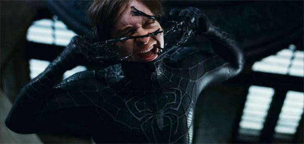 spiderman_3_movie_image_peter_parker_ripping_off_venom_top10films